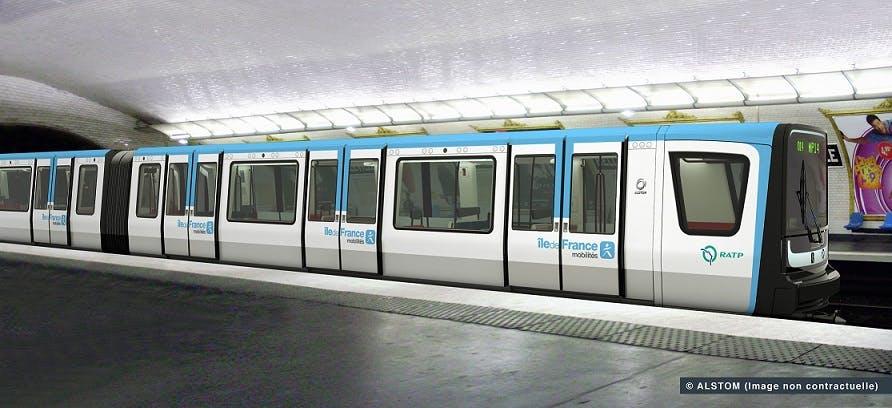 Rame de métro au quai sur la ligne 11
