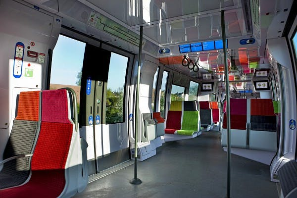 L'intérieur du nouveau Tram de la ligne L