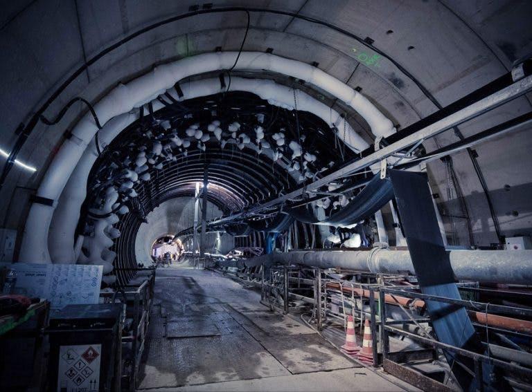 Tunnel passage de la ligne de métro 12