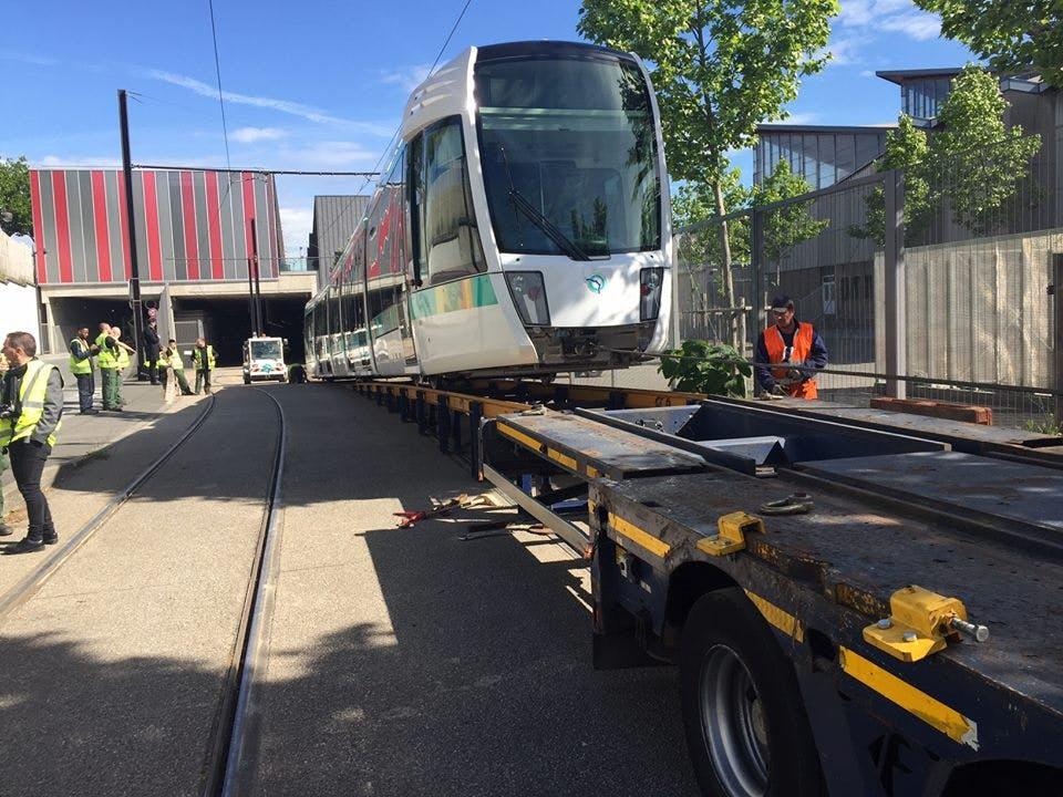 Montage de nouvelle rame sur un véhicule de transportation