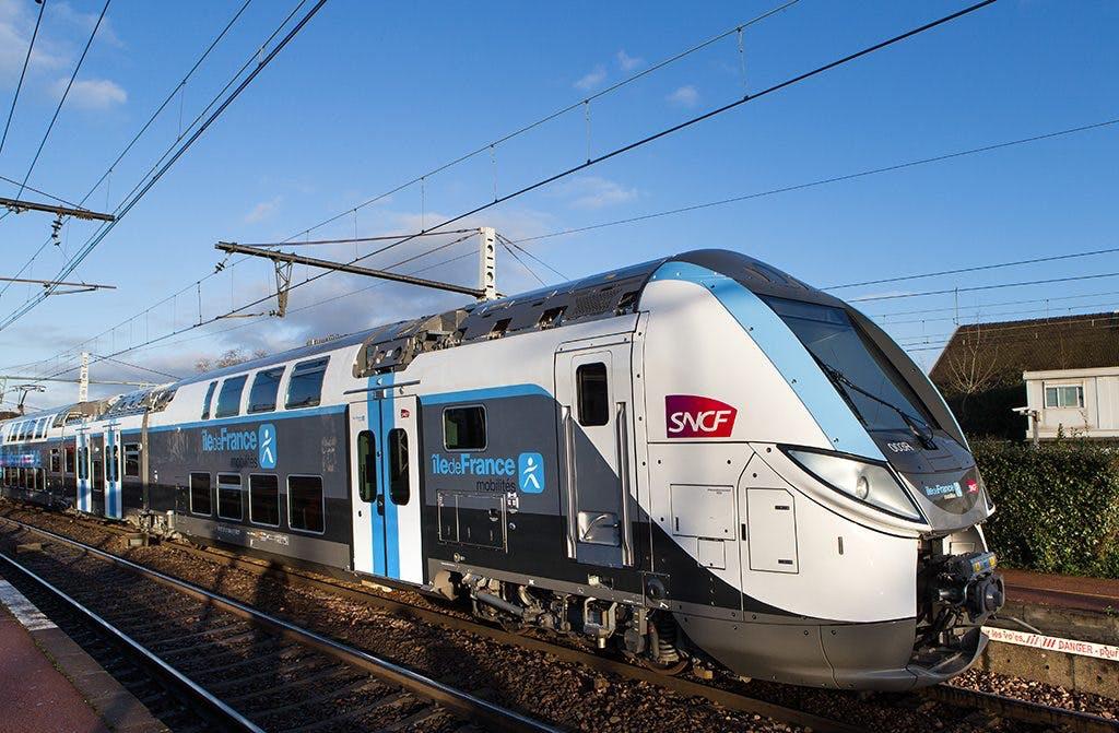 Le Regio 2N à quai sur la ligne R