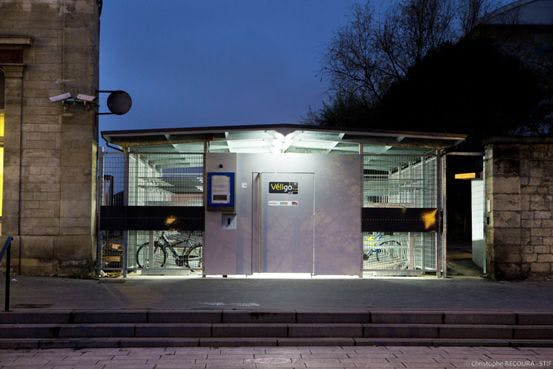 Espace Véligo sécurisé en gare de Saint-Denis