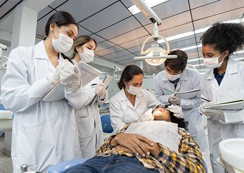 Etudiants dentaires : LCL Professionnel