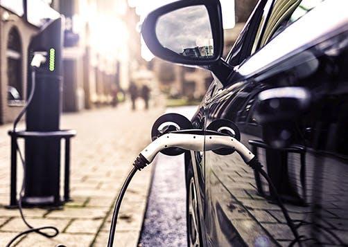 Acheter une voiture électrique ou voiture hybride - LCL Banque et Assurance