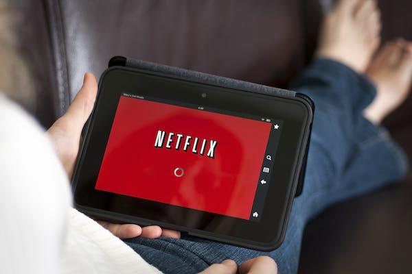 Netflix - Assistindo no tablet