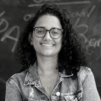 Gabriela Resende, jornalista de Portal de Planos