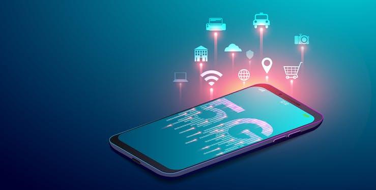 Ilustração de celular com 5G escrito na tela e ícones de internet ao redor