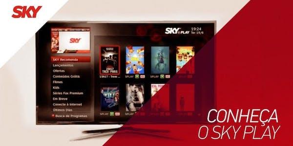 Televisão com SKY Play.