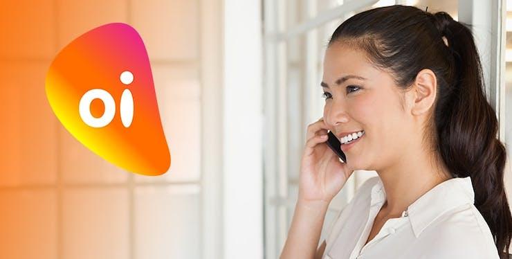 mulher-falando-no-celular