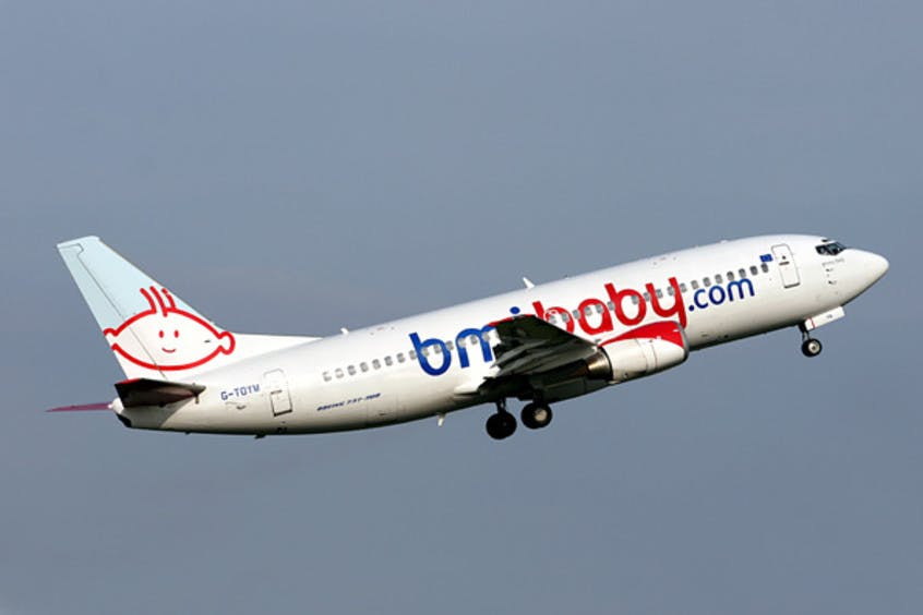 Boeing-737-300-PrivateFly-AA1580