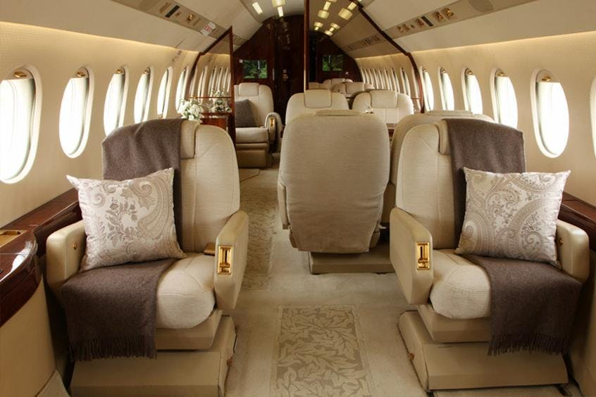 Falcon-2000DX-PrivateFly-AA9687