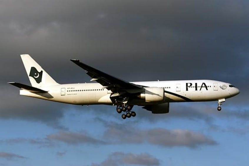 Boeing-777-200-200LR-PrivateFly-AA1696