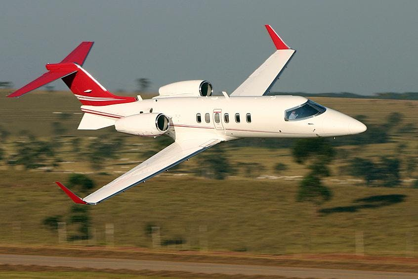 Learjet-40-40XR-PrivateFly-AB1123