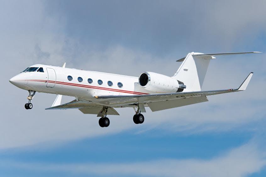Gulfstream-G400-PrivateFly-AA9826