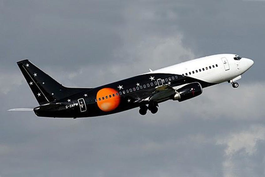 Boeing-737-300-PrivateFly-AA1583