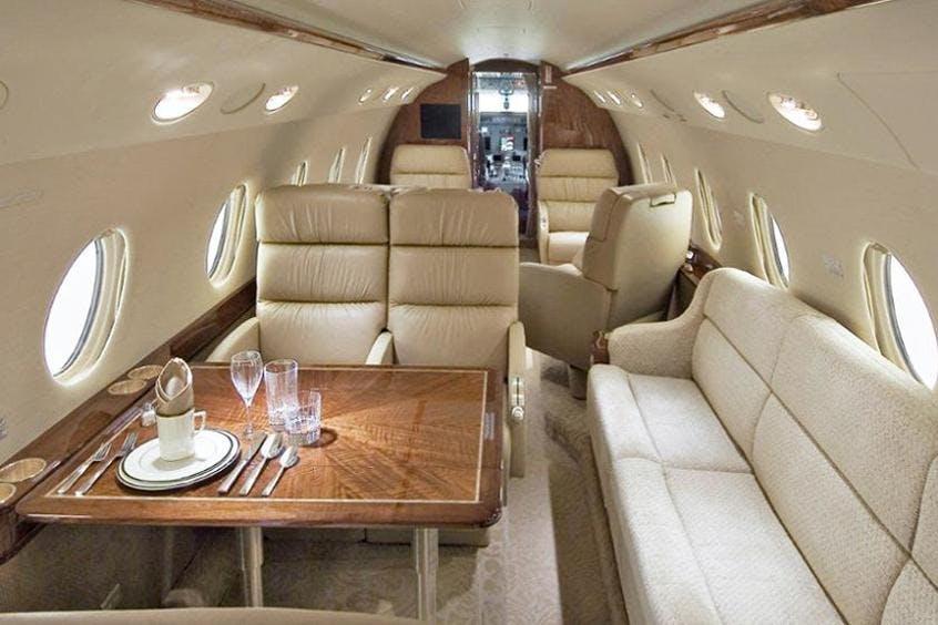 Gulfstream-G200-PrivateFly-AA9845