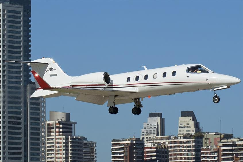 Learjet-31-PrivateFly-AB1023