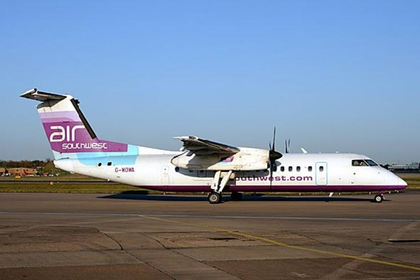 De-Havilland-DHC-8-300-PrivateFly-AA1568