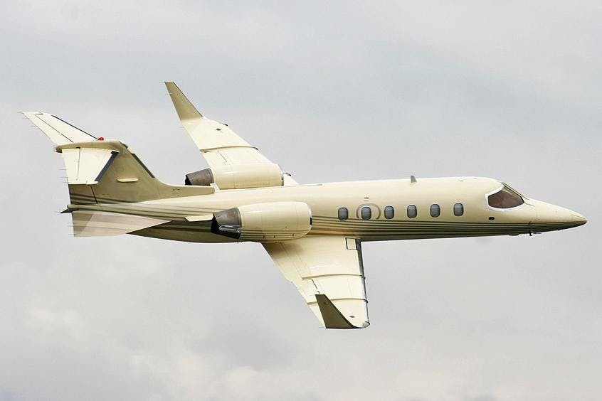 Learjet-31-PrivateFly-AB1021