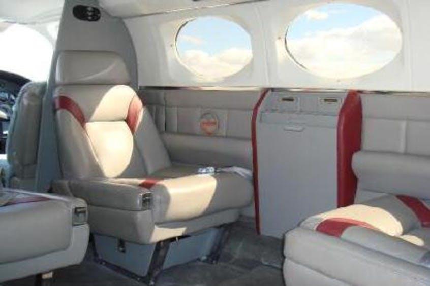 Cessna-C414-Chancellor-PrivateFly-CC-AA3668