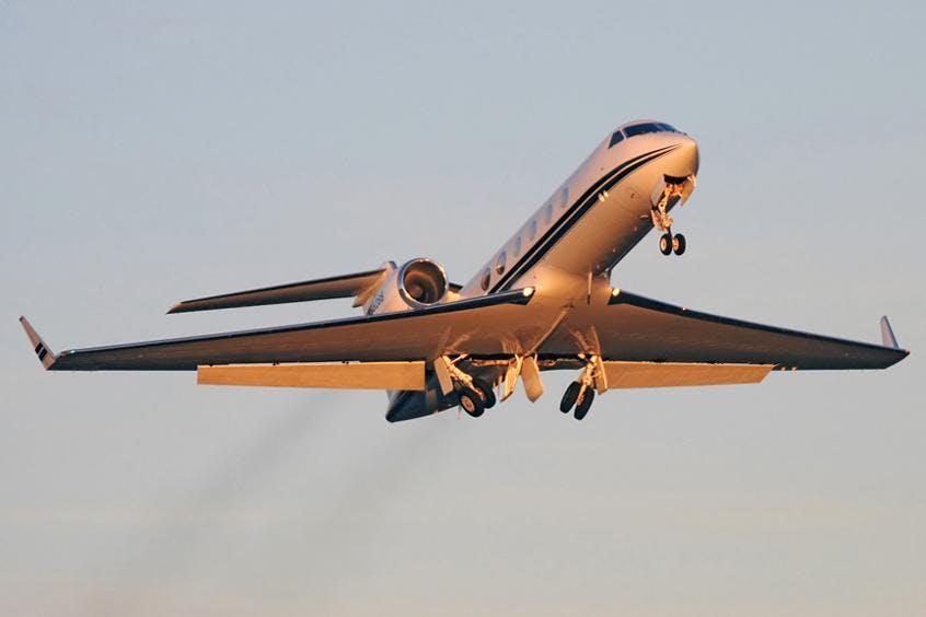 Gulfstream-G300-PrivateFly-AA9832