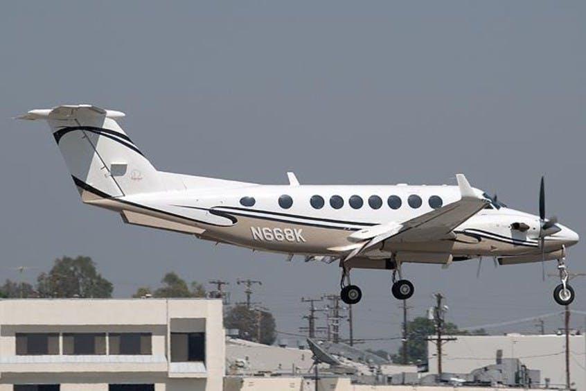 Beech-BE350-KingAir-PrivateFly-AA1118