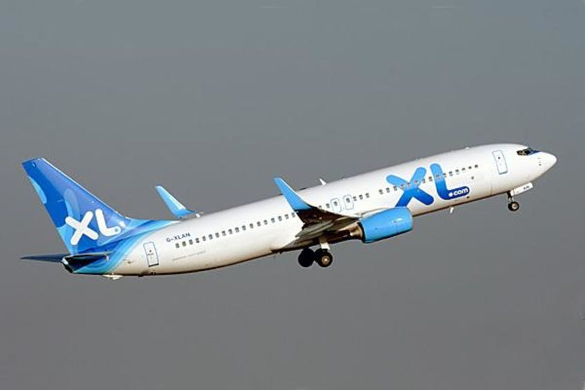 Boeing-737-800-PrivateFly-AA1581