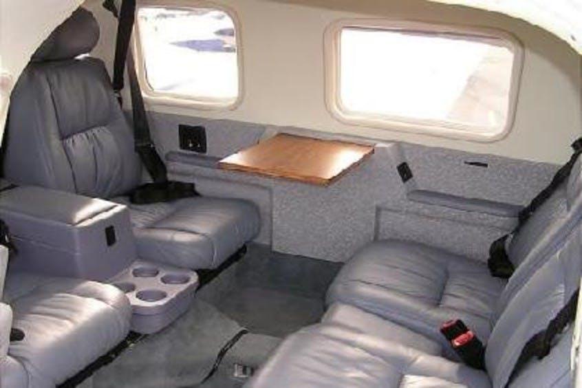 Piper-PA34-Seneca-PrivateFly-AA1043