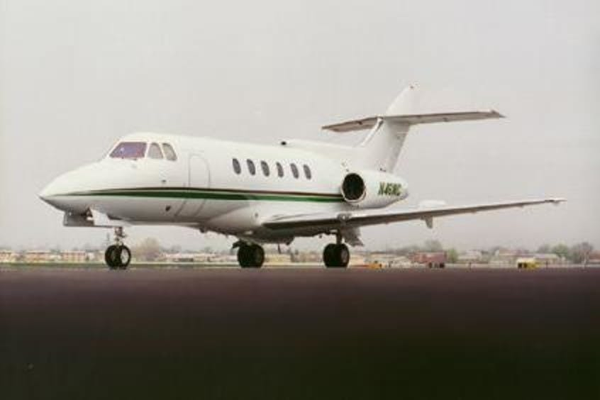 Hawker-700-PrivateFly-AA1235