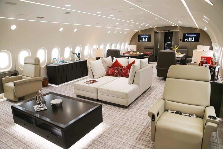 Boeing-787-8-Dreamliner-PrivateFly-AB9109