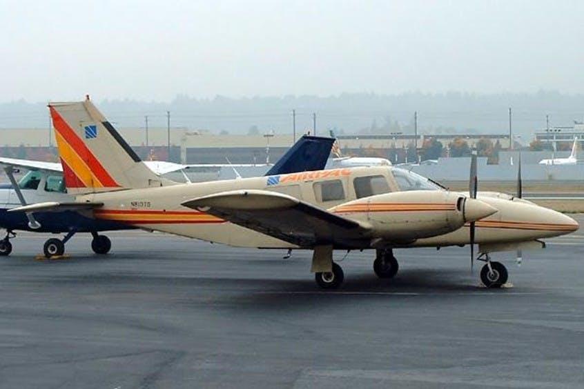 Piper-PA34-Seneca-PrivateFly-AA1086