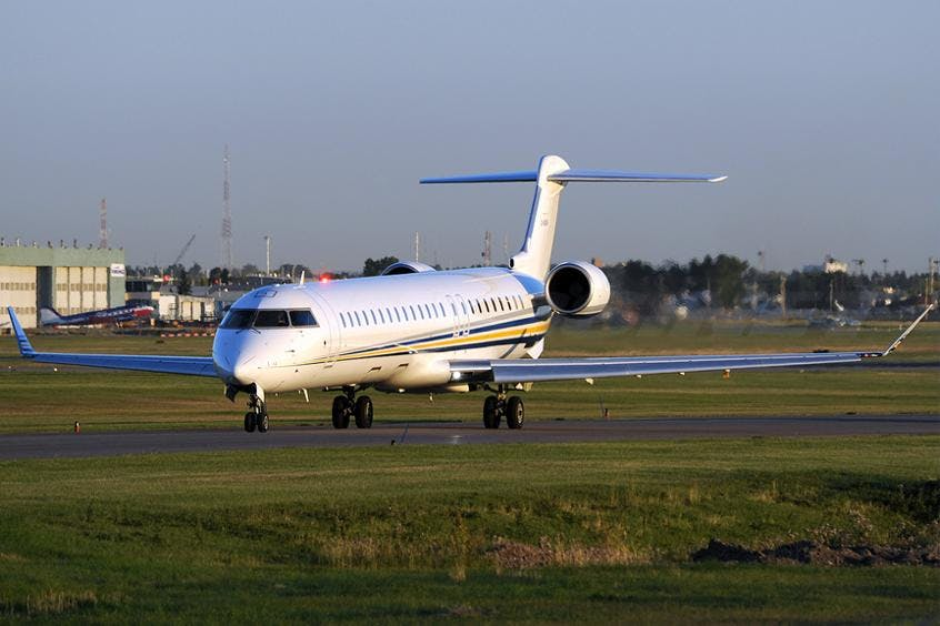 Challenger-890-PrivateFly-AA9675