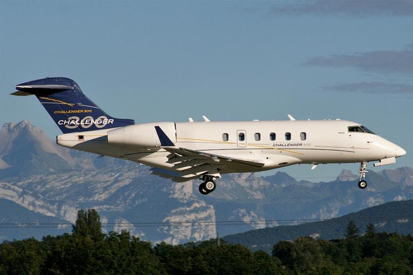 Challenger-300-PrivateFly-AA9692