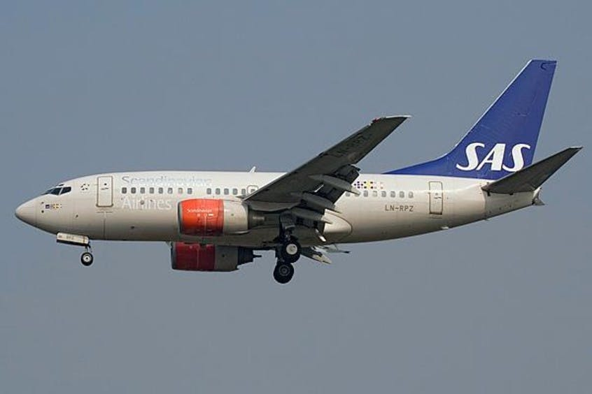 Boeing-737-600-PrivateFly-AA1594