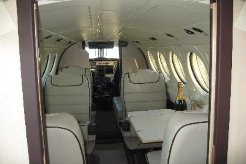 Piper-PA31-Navajo-PrivateFly-AA1029