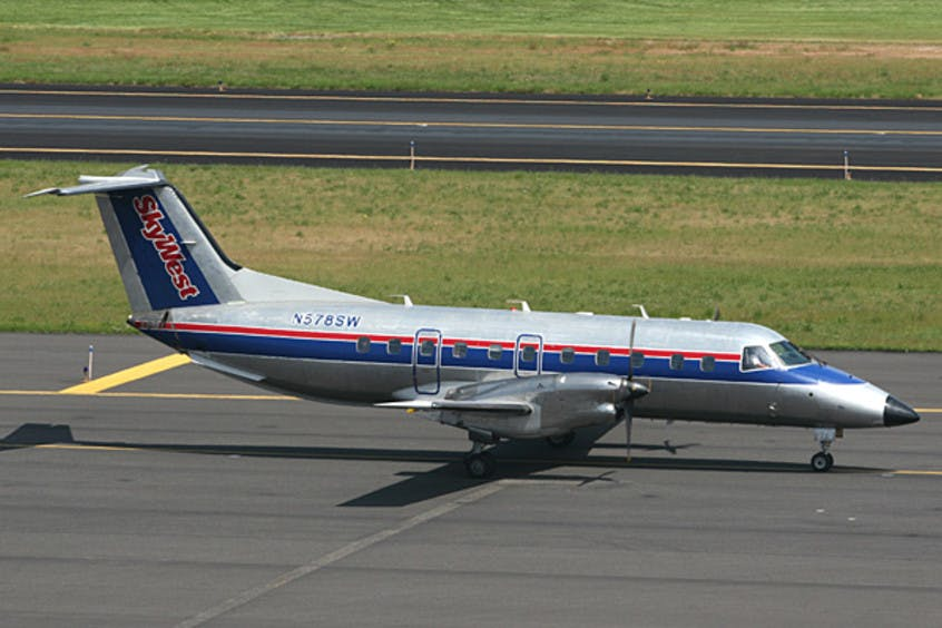 EMB-120-Brasilia-PrivateFly-AA1490