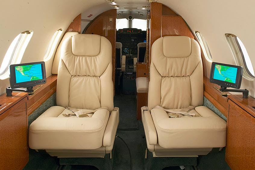 Learjet-31-PrivateFly-AB1022