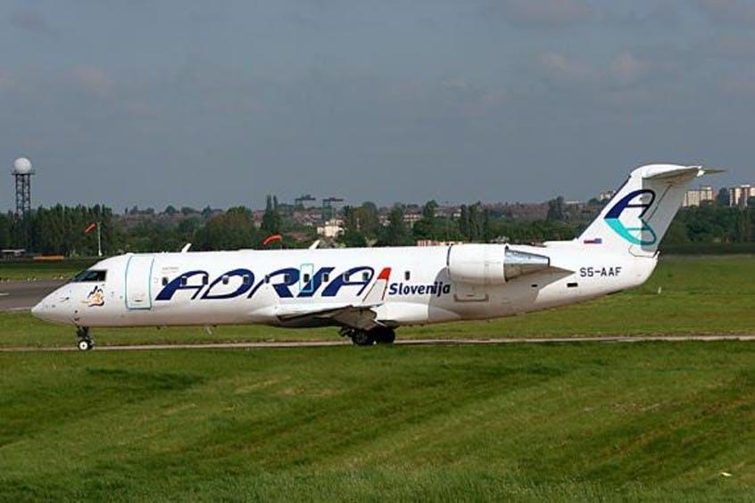 Canadair-Regional-Jet-CRJ200-PrivateFly-AA1541