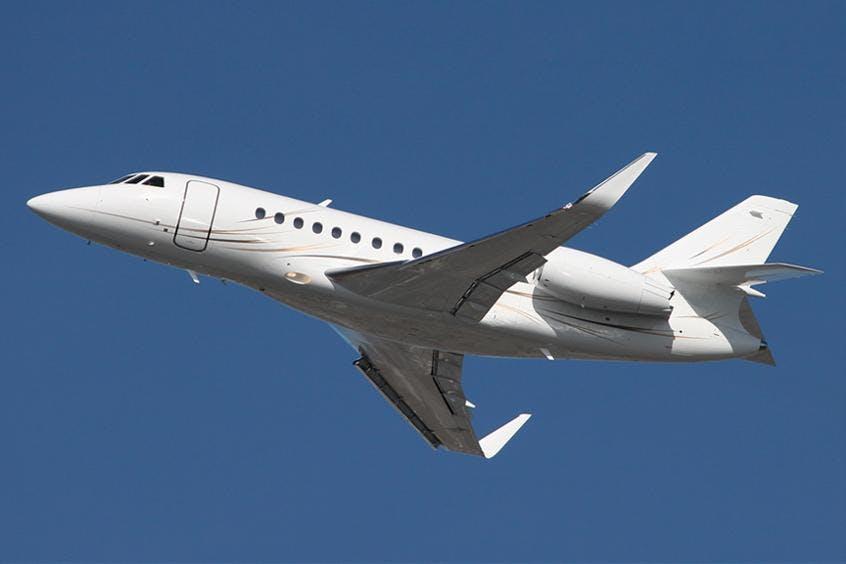 Falcon-2000LX-PrivateFly-AA9713