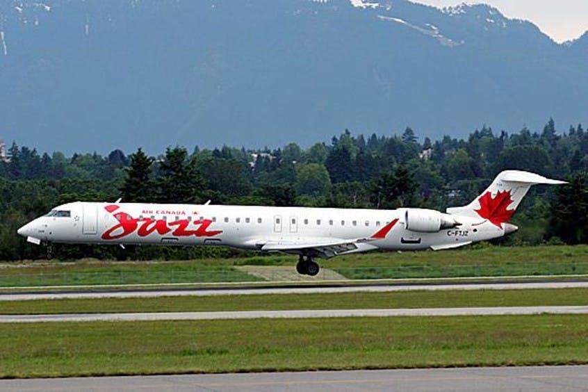 Canadair-Regional-Jet-CRJ700-PrivateFly-AA1540