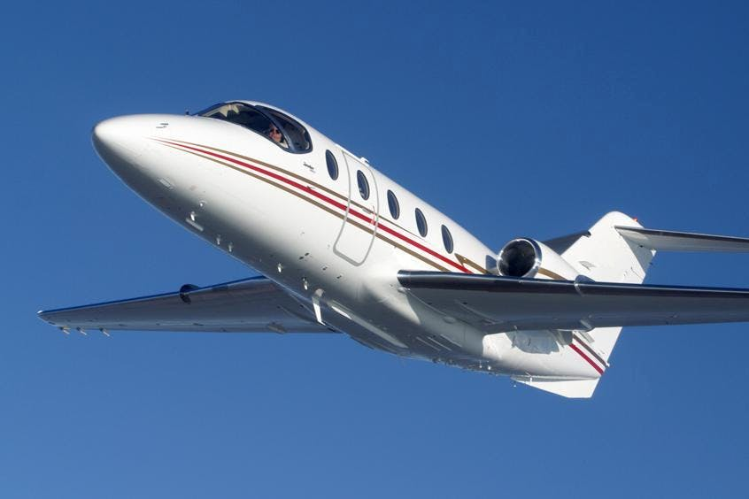 Hawker-400XP-PrivateFly-AB1087