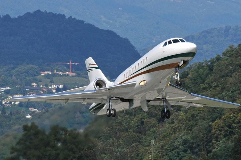 Falcon-2000DX-PrivateFly-AA9686