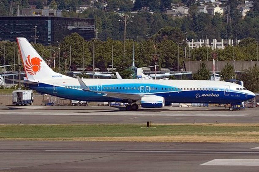 Boeing-737-900-PrivateFly-AA1667