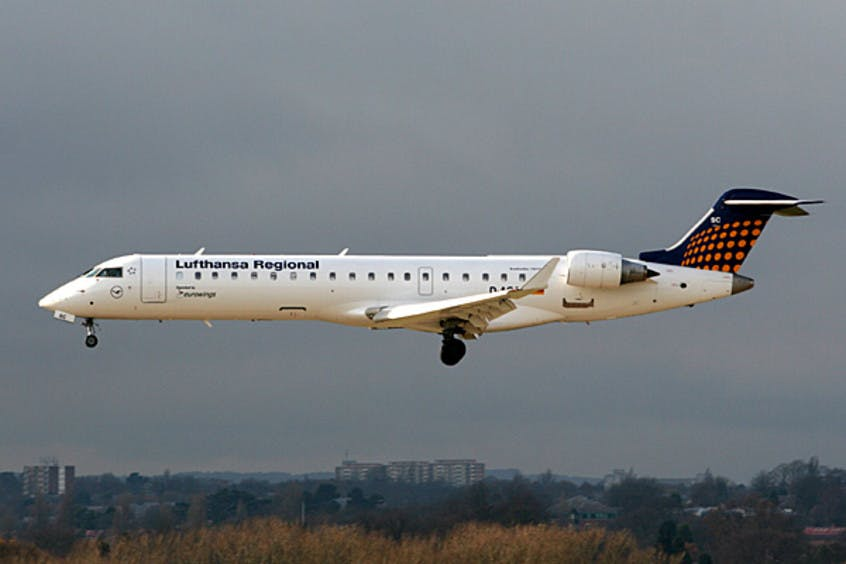 Canadair-Regional-Jet-CRJ700-PrivateFly-AA1489