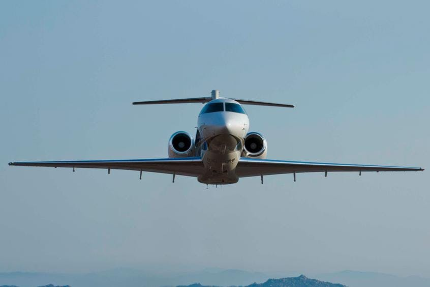 Hawker-4000-PrivateFly-AA9762