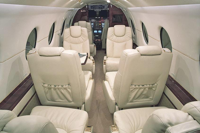 Hawker-400XP-PrivateFly-AB1088