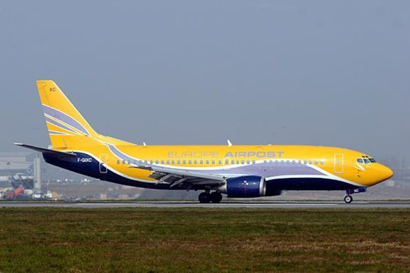 Boeing-737-300-PrivateFly-AA1665