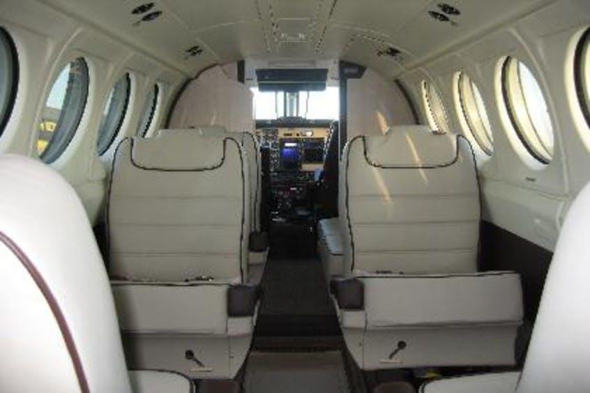 Piper-PA31-Navajo-PrivateFly-AA1111