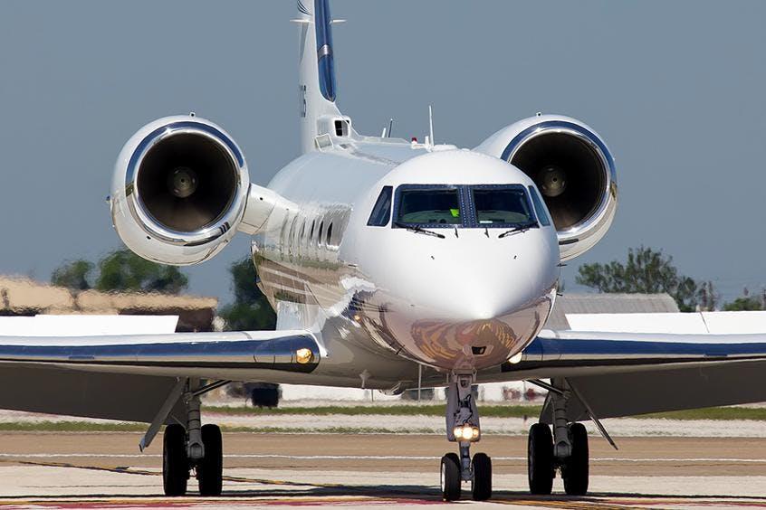Gulfstream-GIV-PrivateFly-AA9814