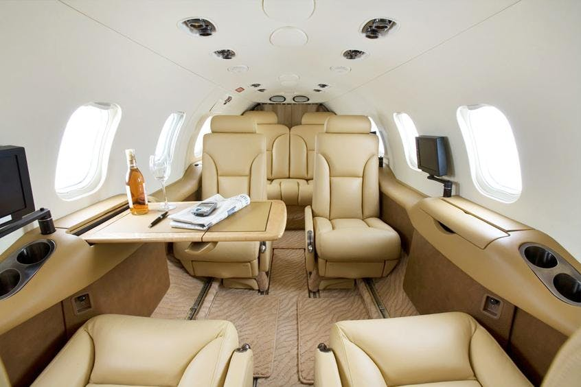 Learjet-31-PrivateFly-AB1020